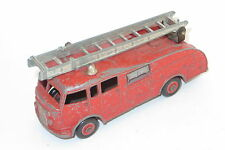 vintage diecast toy Dinky 555 Commer fire engine (no extending ladder)