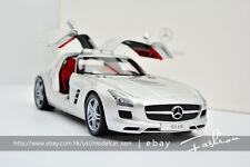 Minichamps 1/18 Mercedes Benz SLS AMG 2010 Silver