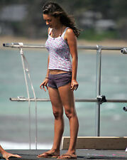 MILA KUNIS 8X10 PHOTO PIC PICTURE SEXY HOT CANDID 33