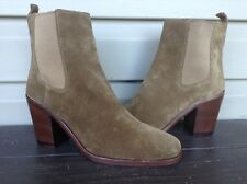 VINCE CAMUTO SIGNATURE SARLA SUEDE HEEL ANKLE BOOTS BOOTIES BROWN 8.5 NEW $375