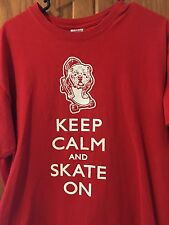 KEEP CALM AND SKATE ON BULLDOG T-SHIRT WWW.BEEFYTHEBULLDOG.COM LARGE