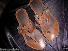 Womens Size 7  * BORN *  Brown Leather Sandals Shoes