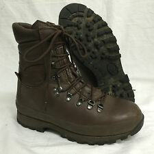 MEN'S BROWN LEATHER ALTBERG DEFENDER BOOTS - Size: 8 Medium , British Army