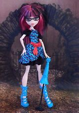 Monster High Ghoulia Yelps' FREAKY FUSION Outfit