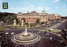 B84200 fuente de la plaza del emperator car bus   madrid   spain