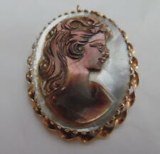 14KT VINTAGE INTRICATED MOTHER OF PEARL CAMEO BROOCH/PENDANT