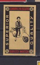 Ancienne étiquette allumettes Italie    Scooter   Femme