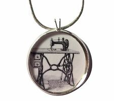 Sewing Machine Necklace-Retro pendant,kitschy,kitsch jewelry,retro sewing