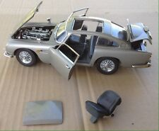Danbury Mint James Bond 1964 Aston Martin 007 1/24 Die Model Car