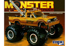 MPC 1975 Datsun Scavenger Monster Pickup plastic model kit 1/25