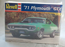 REVELL 1971 PLYMOUTH GTX  440 6pack  Model Kit Factory Sealed 1/24 scale