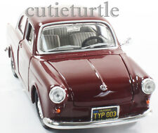 Maisto VW Volkswagen 1600 1:24 Diecast Model Car Burgundy