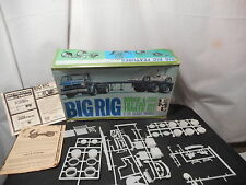 Model Kit Big Rig Dodge L-700 Tilt Cab and Trailer Kit