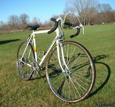 VINTAGE PEUGEOT CORBIER MENS 10-SPEED QUALITY ROAD BIKE FRANCE RACING BORDEAUX!