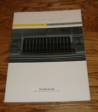 Original 1994 Lincoln Town Car Deluxe Sales Brochure 94
