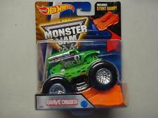 2016 Hot Wheels Monster Jam Truck Grave Digger #33 with Stunt Ramp