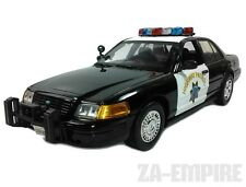 1:18 2001 Ford Crown Victoria Police Car California Highway Patrol CHP