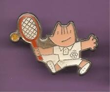 Pin's pin J.O BARCELONA 1992 JEUX OLYMPIQUES MASCOTTE COBI TENNIS