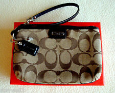 COACH Small Wristlet w/Box Khaki Sig. C Jacquard & Patent Leather $48 +Tax