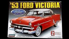 Model Kit 1953 Ford Victoria Lindberg 1:25 Scale