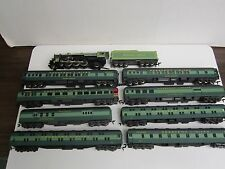 Rivarossi HO Southern Crescent Limited Passenger Set with 4-6-2 Locomotive #1396