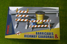 BARRICADES & HIGHWAY GUARDRAIL SET Meng Models SPS013
