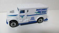 Loose mint Matchbox 2000 #58 INTERNATIONAL ARMORED CAR white w/logo (chase) hunt