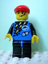 LEGO Minifig div013 @@ Divers - Blue, Red Cap 6559