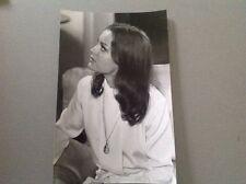 "ROMY SCHNEIDER   -   "" QUI ""  - PHOTO DE PRESSE  14x20cm"