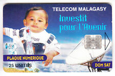 AFRIQUE TELECARTE / PHONECARD .. MADAGASCAR 25U ANTENNE SATELLITE 8N°B CHIP/PUCE