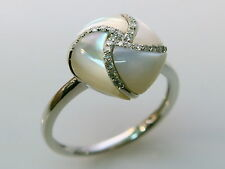 Brand New 14k White Gold Ring With Mother of pearl And Diamonds Size 7