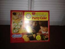 VINTAGE 1976 BY WILTON - (SEARS) WINNIE THE POOH PARTY CAKE  (19 PC. DELUXE SET)