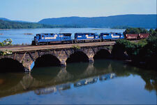 543006 Northbound Conrail Freight Alongside Susquehanna River PA A4 Photo Print