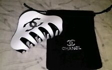 CHANEL WHITE HAIR CLAW WITH DUST BAG