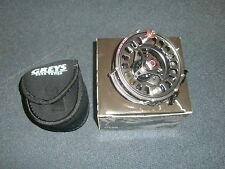 Greys GTS800 #5-6 Fly Reel + Neoprene Pouch Fishing tackle