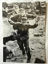 ww2 photo press  German prisoners taken by Allied forces in Italy 1944   120