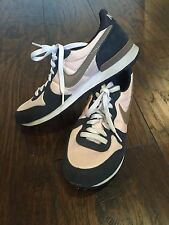 Womens Nike Tennis Shoes Pink and Navy Size 8