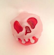 DISNEY POISON APPLE ICE CUBE LIGHT UP SNOW WHITE TRADER SAM'S BAR NEW HALLOWEEN