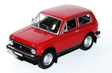 LADA NIVA  VAZ  2121  ( 1978 ) RED-- 1/43 -- IXO/IST -- NEW