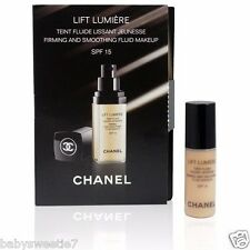 CHANEL Lift Lumiere Firming & Smoothing Fluid Foundation SPF15 20 Clair 2.5mlx1
