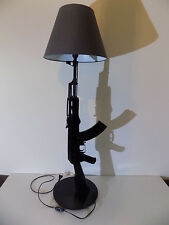 LAMPE DESIGN AK47 (chevet bureau table gun KALASH kalashnikov luxe no Starck)