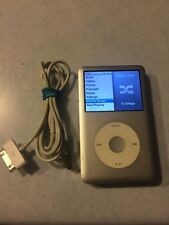 Apple iPod Classic 6th Generation SILVER 160 GB  GOOD BUNDLE M18-4