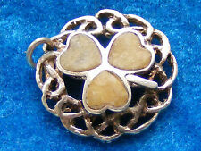 VINTAGE STERLING SILVER CHARM SCOTTISH AGATE IN AN IRISH SHAMROCK