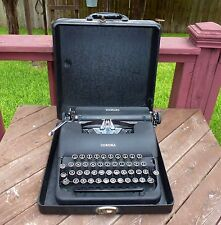 LC SMITH & CORONA USA STANDARD FLOATING SHIFT PORTABLE TYPEWRITER W/ CASE