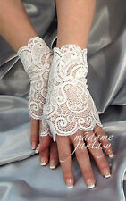 SEXY WHITE STRETCHY LACE FINGERLESS GLOVES MF4045