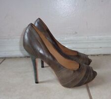 L.A.M.B. Gwen Stefani GRAYISH BROWN LEATHER GATHER DETAIL PLATFORM PUMPS Sz 8M