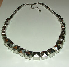 "GRADUATED SILVER PLATED ACRYLIC POINTY CUBES NECKLACE 18"" 40CM"