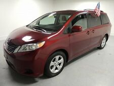 Toyota: Sienna LE 8-Pass.
