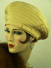 VINTAGE HAT, FRENCH 1930s ORIGINAL, CREAM HIGH FRONT BERET, PIERROT, GABARDINE