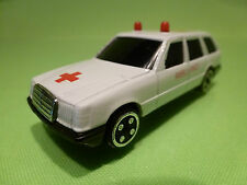 MERCEDES BENZ STATION -  AMBULANCE 88 - WHITE 1:60? - GOOD CONDITION